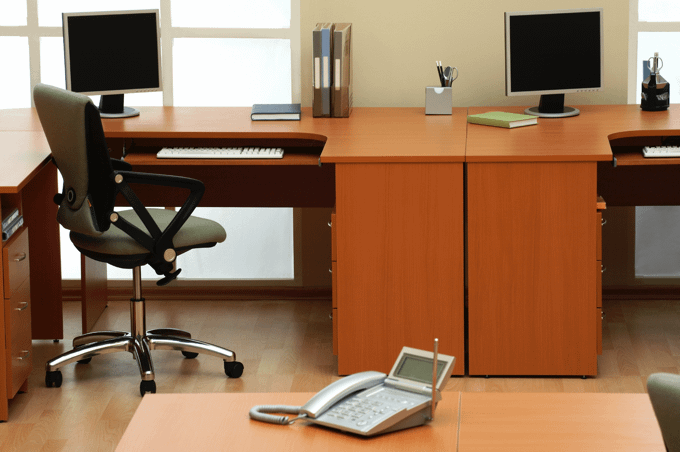 tidy-clear-desk-at-work